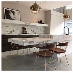 """Gefällt 477 Mal, 20 Kommentare - Ashley Stark Kenner (@ashleytstark) auf Instagram: """"Nothing like thick marble. Kitchen by @josephdirand • • • • • • • #art #interior #interiordesign…"""""""