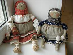 две куклы крестьянки