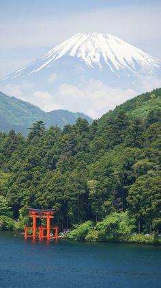 Szczyt Fuji nad jeziorem Ashinoko, Hakone, Kanagawa, Japonia