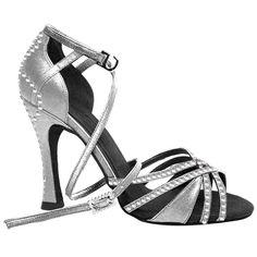 Zapato de baile personalizado para una novia apasionada del baile latino. Latin dance.