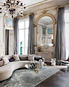 French Apartment Decor Parisian Style Attention To French Details Glamorous Paris Apartment Parisian. French Apartment Decor Parisian Style How To Ach. Chic Apartment Decor, Design Apartment, Paris Apartment Interiors, Apartment Living, Elle Decor, Urban Deco, Parisian Decor, Parisian Style, Paris Home Decor