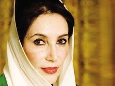 Benazir Bhutto (1953-2007) Política paquistaní. Luchó contra el régimen militar de su país y se convirtió en la primera mujer dirigente del mundo musulmán, al ser elegida primera ministra de Pakistán en 1988.