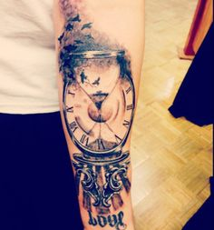 Hour Glas Clock ~Done by Leo Fieschi at Art Club Tattoo and Piercing in Danbury, CT. Watch Tattoos, Time Tattoos, Sexy Tattoos, Body Art Tattoos, Sleeve Tattoos, Tattoos For Women, Tattoos For Guys, Clock Tattoo Sleeve, Time Piece Tattoo