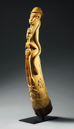 Africa | Horn / oliphant from the Mende people of Sierra Leone | Ivory  |||  Source; http://issuu.com/artcurialbpt/docs/2557