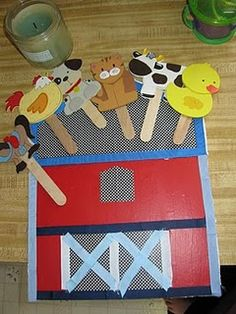 Farm unit puppets and barn.  Too cute!!!