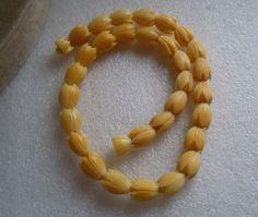 Vintage Hand Carved Hawaii Pikake Flower Bead Necklace Estate Lot