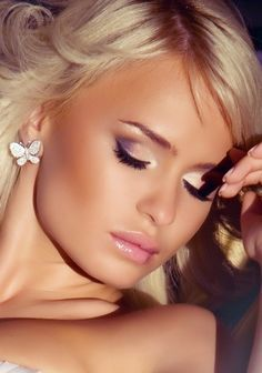 APW ☆worldwide fashion & make-up ☆: Bridal MakeUp _ Νυφικό Μακιγιάζ Mac Wedding Makeup, Bridal Makeup Looks, Wedding Beauty, Chic Wedding, Wedding Blog, Wedding Stuff, Homecoming Hairstyles, Wedding Hairstyles, Tom Ford