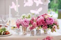 Dekoracje stołu państwa młodych. 10 POMYSŁÓW na stół weselny