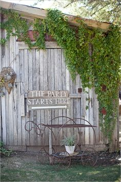 Texas Destination Wedding At Vista West Ranch-complete with a fabulously large rustic barn, farm tables, and of course a good 'ol Texas B-B-Q. Wedding Wishes, Wedding Signs, Our Wedding, Destination Wedding, Wedding Ideas, Country Barn Weddings, Southern Weddings, Romantic Weddings, Reception Signs