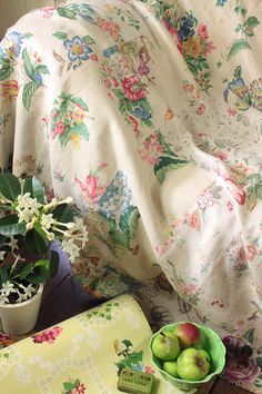Vintage Home - 1930s Floral Linen Patchwork.
