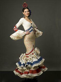 Colección de trajes de flamenca 2012 - Manuela Macías Moda Flamenca