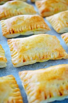 Each baked curry puff is loaded up with mince, spices and root vegetables. The filling is then wrapped in puff pastry and baked until golden and delicious. Savory Pastry, Flaky Pastry, Savoury Baking, Savoury Pies, Pastry Dishes, Curry Puff Recipe, Savory Snacks, Appetisers, Oven Baked