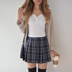 59 Ideas Skirt Outfits For School Skater School Skirt Outfits, Cute Skirt Outfits, Cute Skirts, Plaid Skirts, Girly Outfits, Fall Outfits, Casual Outfits, Skater Skirt Outfits, Rock Outfits