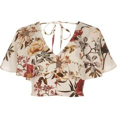 River Island Cream floral print cape crop top (190 BRL) ❤ liked on Polyvore featuring tops, shirts, crop tops, cream, women, pink top, floral shirt, v neck shirt, bralet tops and cream crop top