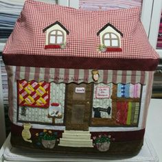 Sewing Case, Sewing Accessories, Mini Quilts, Happy Campers, Quilt Blocks, Sewing Projects, Patches, Scrapbook, Shapes