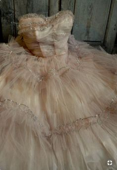 45 trendy ideas for wedding dresses vintage tulle tutus Vintage Prom, Vintage Gowns, Vintage Outfits, Vintage Fashion, Tulle Tutu, Tulle Lace, Tulle Dress, Pink Tulle, Prom Dresses