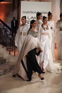 ANAMIKA KHANNA SUMMER/RESORT 2015 – LAKME FASHION WEEK