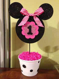 I have some Mickey heads in my etsy shop (MousePartyHouse) that would work great with this idea~ Minnie Mouse birthday centerpiece Minie Mouse Party, Minnie Mouse First Birthday, Minnie Mouse Theme, Minnie Mouse Baby Shower, Mickey Party, Mickey Mouse Birthday, Minnie Mouse Center Pieces, 1st Birthday Centerpieces, Minnie Mouse Decorations