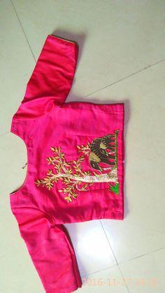 Choli Designs, Saree Blouse Designs, Blouse Styles, Blouse Desings, Maggam Work Designs, Indian Blouse, Work Blouse, Blouse Patterns, Indian Designer Wear