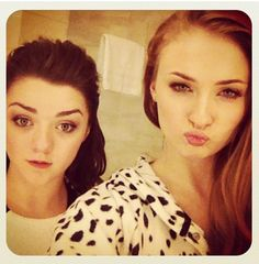 Sophie Turner's face is just about the only one who can sort of pull off a duck face, lol