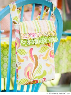Cute Bag.  Pattern and fabrics can be purchased from heatherbaileystore.com .  Thinking this could be a fun project for my girls & I.