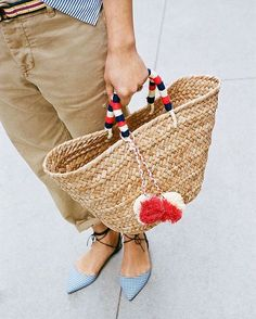 Swapping out our work bag for a straw tote in hopes that summer comes just a bit sooner. Shop the Kayu St. Tropez tote via the link in our bio. (cc: @kayudesign) by jcrew