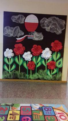 Our social Life Red Week, Classroom Door Displays, Bulletin Board Tree, Uae National Day, Crafts For Kids, Arts And Crafts, Diy Blog, Craft Corner, Preschool