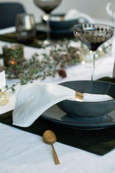 Nydelig borddekking med fokus på det eleganse og trend! #jul #trend #borddekking #julestemning #jul2020 #servering #servise #kremmerhuset #inspirasjon Brunch