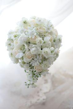 ティアドロップブーケ レースの花 山の上ホテル様へ : 一会 ウエディングの花