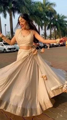 Indian Wedding Clothes, Indian Wedding Fashion, Party Wear Indian Dresses, Indian Gowns Dresses, Indian Bridal Outfits, Dresses To Wear To A Wedding, Dress Indian Style, Indian Fashion Dresses, Indian Designer Outfits