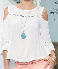 Like the blouse & necklace. Summer Outfits, Casual Outfits, Fashion Outfits, Womens Fashion, Mode Top, Creation Couture, Mode Style, Refashion, Dress Patterns