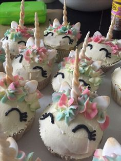 Ears and the horn made of fondant, decorated with Gold powder. Funfetti muffins with creme cheese and white chocolate cream :) Decoration Patisserie, Cupcake Cookies, Kitty Cupcakes, Salty Cake, Birthday Treats, Chocolate Cream, Savoury Cake, Creative Cakes, Fondant Cakes