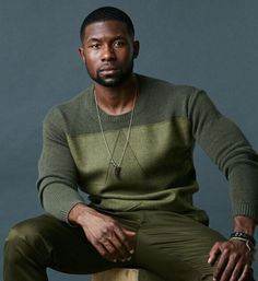 Oh Trevante Rhodes...I saw your beautifully shaped head, dazzling smile and cut abs for the first time today while watching Moonlight. Since you're my man of the week, I promise to moonlight as whatever it is you want me to be.