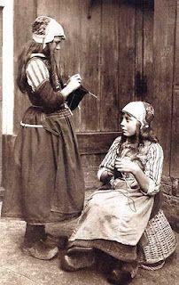 vintage photo of Dutch girls knitting
