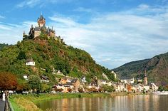 Cochem, town in the Mosel valley topped by a castle built in 1051.