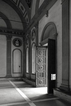"""The entrance of the Pazzi Chapel. Pazzi family, whose wealth was second only to the Medici, was linked to the """"Pazzi conspiracy""""— to assassinate Giuliano de' Medici and simultaneously attempt murder of his brother, Lorenzo de' Medici on 26 April 1478."""