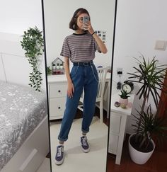 Do you prefer Summer or Winter outfits? Cute Casual Outfits, Edgy Outfits, Retro Outfits, Mode Outfits, Korean Outfits, Grunge Outfits, Vintage Outfits, Swag Outfits, Black Converse Outfits
