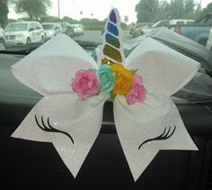 I want this bow Cheerleading Hair Bows, Cheer Hair Bows, Diy Hair Bows, Diy Bow, Cheerleader Hair, Cheerleading Stunting, Cute Cheer Bows, Cheer Mom, Jojo Bows