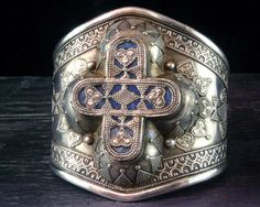 Central Asia | Vintage Uzbek Cuff | Sterling silver and Lapis
