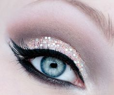 #glitter #snowwhite #eyeliner