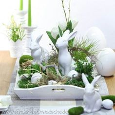 Tinker Easter decorations: ideas for Easter decorations, table decorations for Easter, two-seater . - Tinker Easter decorations: ideas for Easter decorationsTable decorations for EasterTwo-seater sofas - Easter Table Decorations, Easter Decor, Easter Ideas, Easter Centerpiece, Diy Centerpieces, Diy Decoration, Deco Floral, Easter Holidays, Easter Party