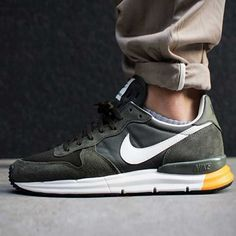 Lunar Internationalist by Nike