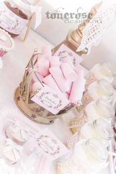 Princess pink marshmallows Pink Marshmallows, Princess Party, Place Cards, Place Card Holders