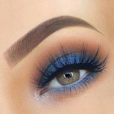 60 Best Gorgeous Blue Eyeshadow makeup Looks You Should Try Page 50 of 65 Diaror Diary Blue Eye Makeup Blue Diaror Diary eyeshadow Gorgeous makeup Page Blue Eyeshadow Makeup, Blue Eyeshadow Looks, Blue Makeup Looks, Bright Eye Makeup, Simple Eyeshadow, White Eyeshadow, 80s Makeup, Prom Makeup Looks, Dramatic Eye Makeup