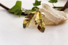 Boho feather Earrings, Chic medieval Hammered Brass Earring Elf Jewelry Ancient Greek Jewelry Handmade Jewelry Fantasy Earrings Elegant de AshtartJewelry en Etsy