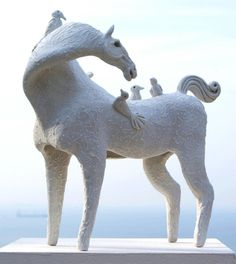 Have you ever seen a sculpture like this? Carol Hayward Fell is an artist from South Africa that gets her sculpture inspiration from ceramics from ancient civilizations!