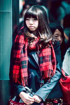 Japanese girl waiting in Harajuku (Tokyo, Japan)