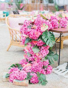 Fuchsia hydrangeas add a tropical vibe to any summer wedding tablescape!