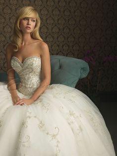 sweetheart neckline wedding dresses | Fitted Bodice Sweetheart Neckline Chapel Length Train Wedding Dresses ...
