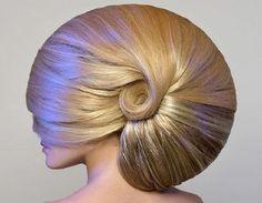 ask your hair stylist for one of these ammonite jobs Creative Hairstyles, Cool Hairstyles, Stars D'hollywood, Avant Garde Hair, Hair Affair, Bad Hair, Looks Cool, Hair Art, Hair Inspiration